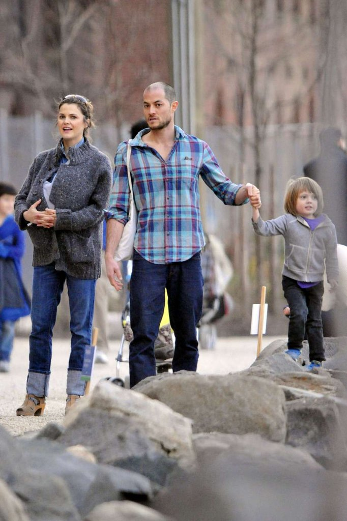 Keri Russell New Baby Willa Pictures in Brooklyn ...