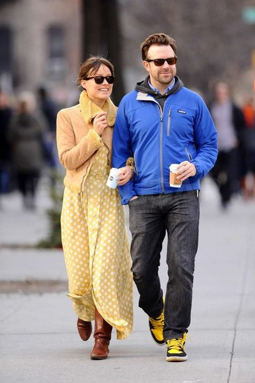 Jason Sudeikis and Olivia Wilde cuddled up.