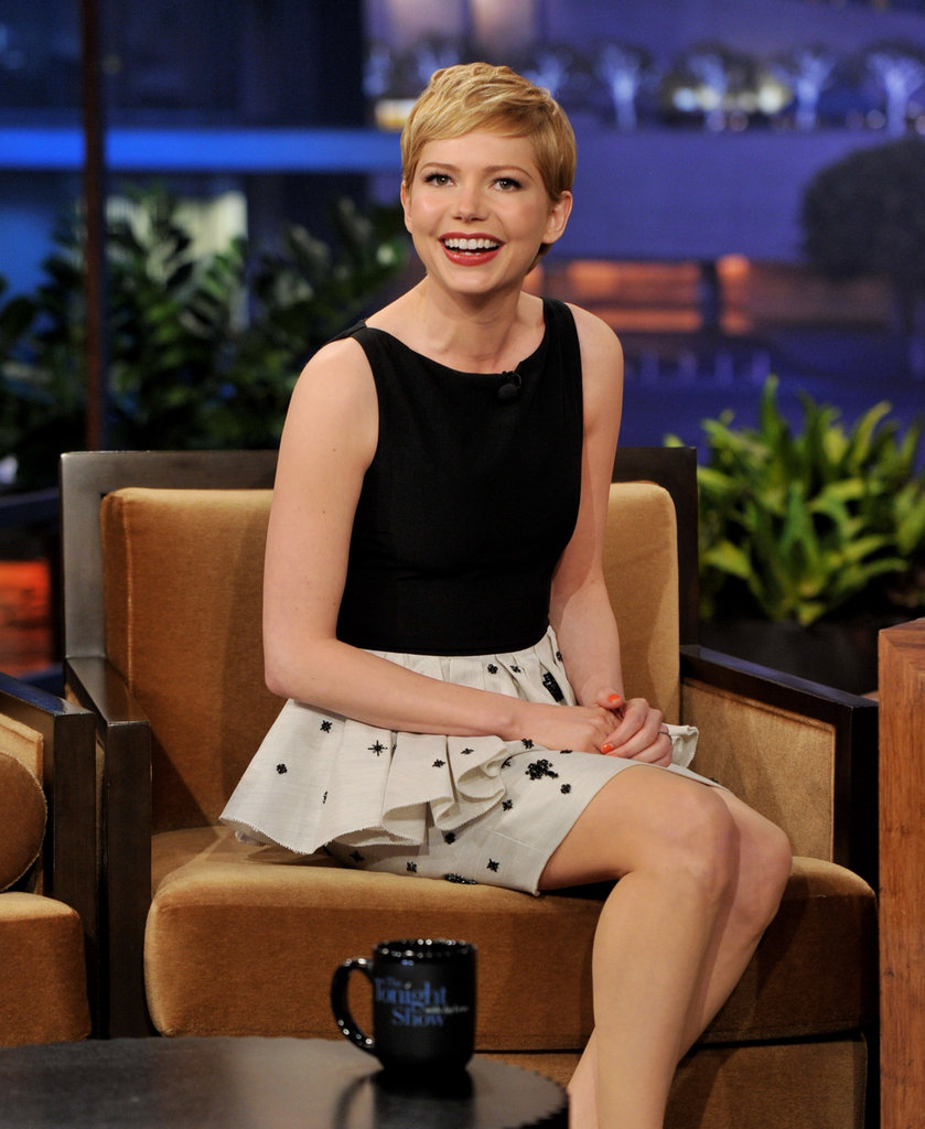 Michelle Williams smiled at her fans.