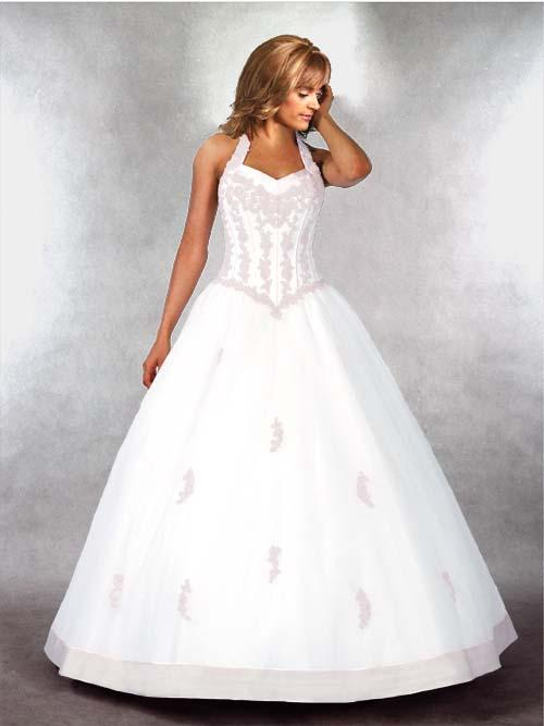 The halter ball gown wedding dresses has a matched bodice with a poufy skirt
