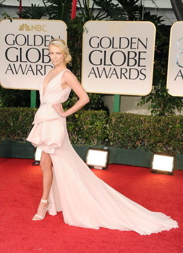 2012 Golden Globes Red Carpet Fashion Arrivals