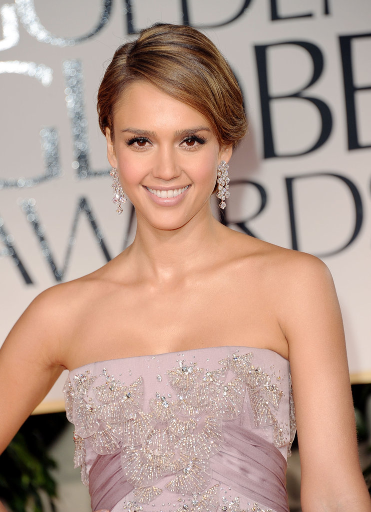 Jessica Alba in a lavender dress at Golden Globes.