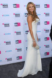 Stacy Keibler gave another view of her white Giorgio Armani gown.