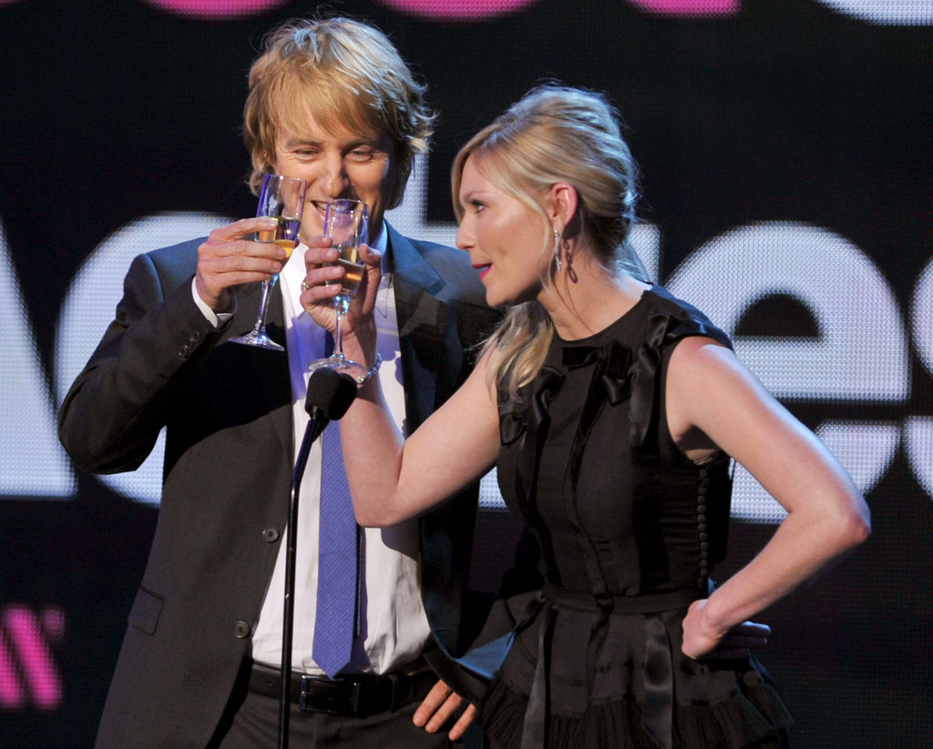 Owen Wilson and Kirsten Dunst toasted the Critics' Choice Movie Awards on stage.