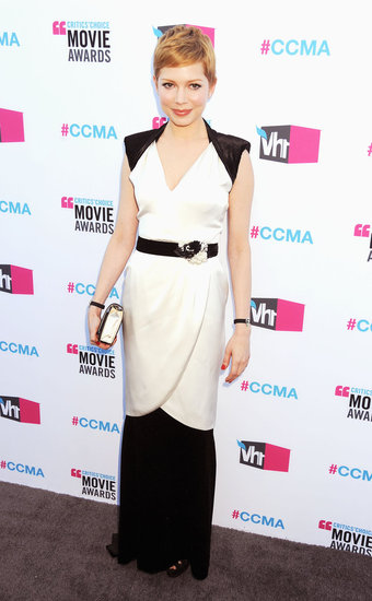 Michelle Williams Goes With Black and White Chanel For Critics' Choice