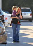 Pregnant Jennifer Garner talked on the phone while carrying Seraphina Affleck.