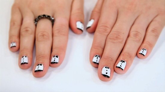 How to Create Zooey Deschanel's Tuxedo Nail Art