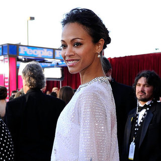 Zoe Saldana White Gown Pictures at SAG Awards 2012