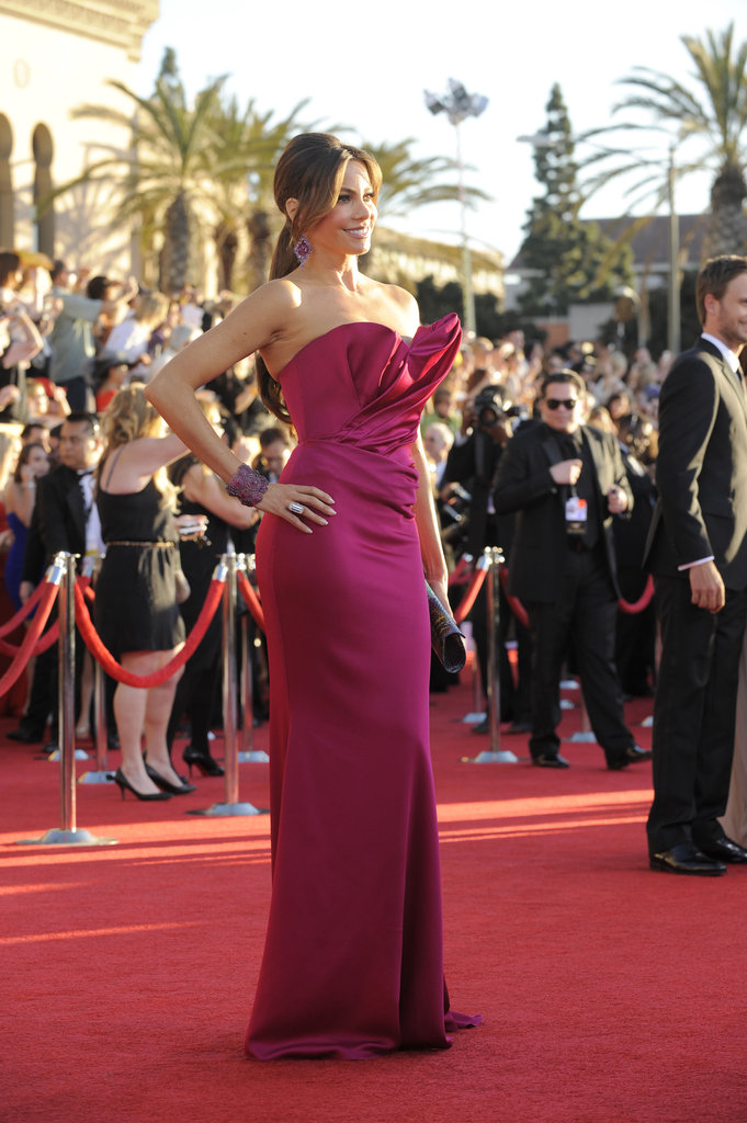 Sofia Vergara looked great in hot pink Marchesa.