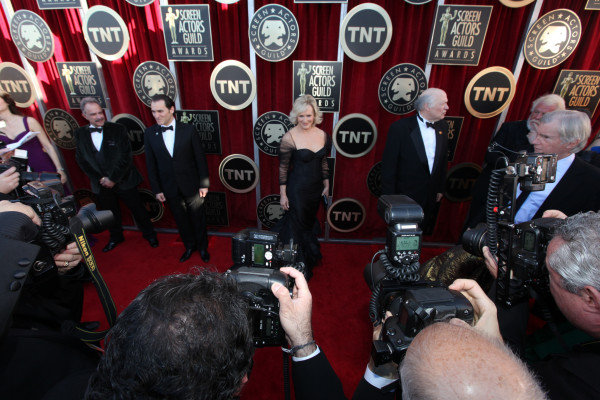 Glenn Close posed for pictures. Twitter User: SAGawards