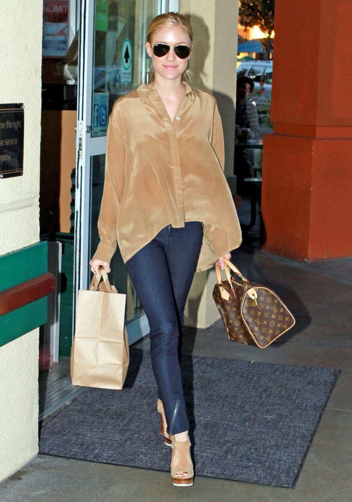 Kristin Cavallari walked around in LA.