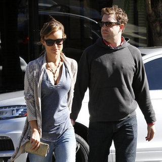Jason Sudeikis and Olivia Wilde Holding Hands Pictures