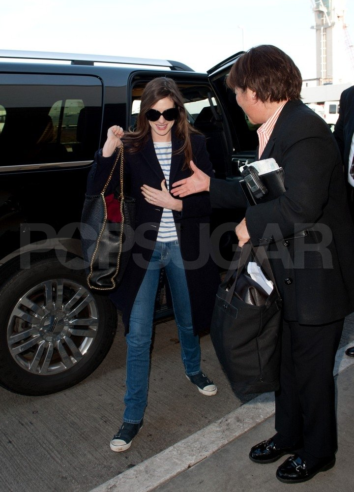Anne Hathaway wore stripes.