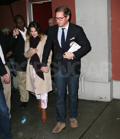 Drew Barrymore amd fiancé Will Kopelman made a cute pair in NYC.