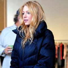 Blake Lively  on Blake Lively On Gossip Girl Set Pictures With Her Mom
