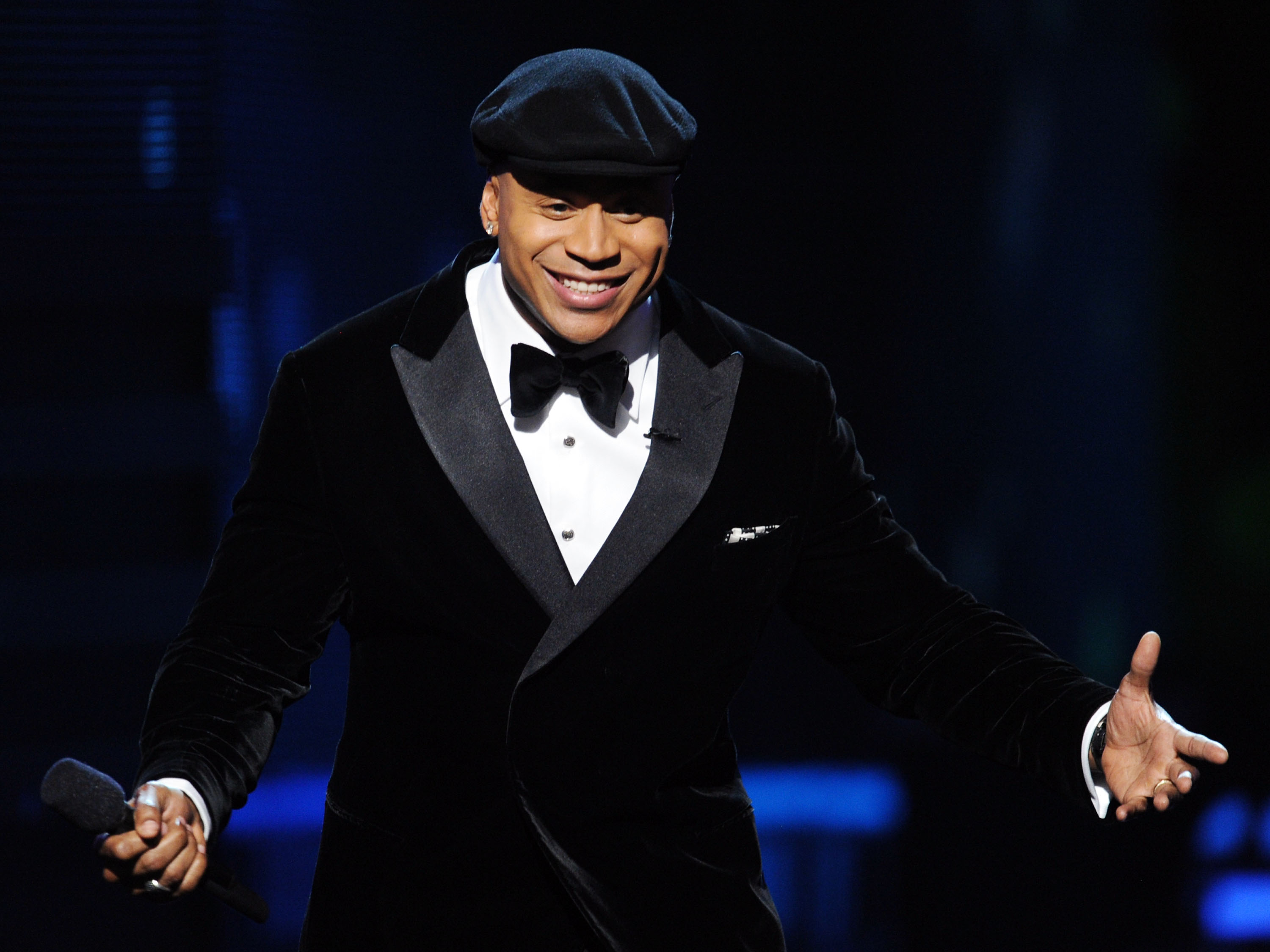 LL Cool J kept the show moving.
