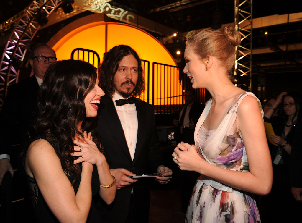 Joy Williams and John Paul White of The Civil Wars chatted with Taylor Swift at the 2012 Grammys.