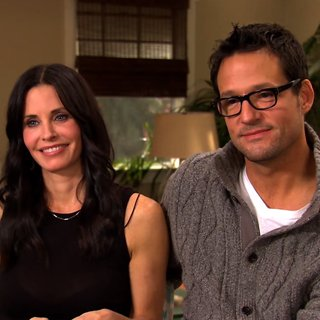 Behind the Scenes on the Set of Cougar Town (Video)