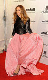 Sarah Jessica Parker played with her skirt.