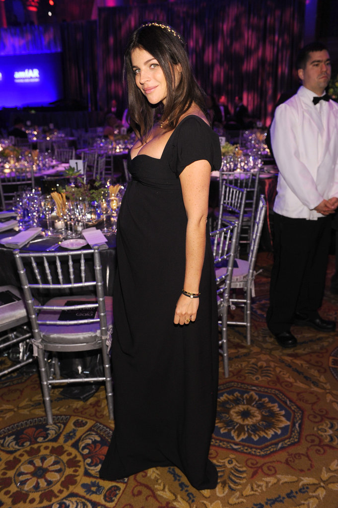Pregnant Julia Restoin-Roitfeld posed at the amfAR bash.