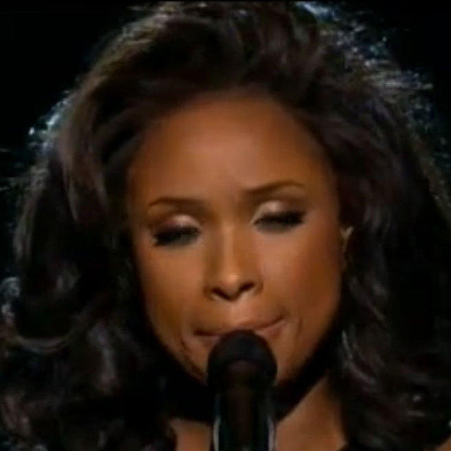 Jennifer Hudson Singing I Will Always Love You at 2012 Grammys in Honour of Whitney Houston