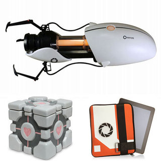 Portal Gun Replica and Accessories