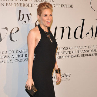 Sienna Miller Pregnant Pictures in Tight Black Dress