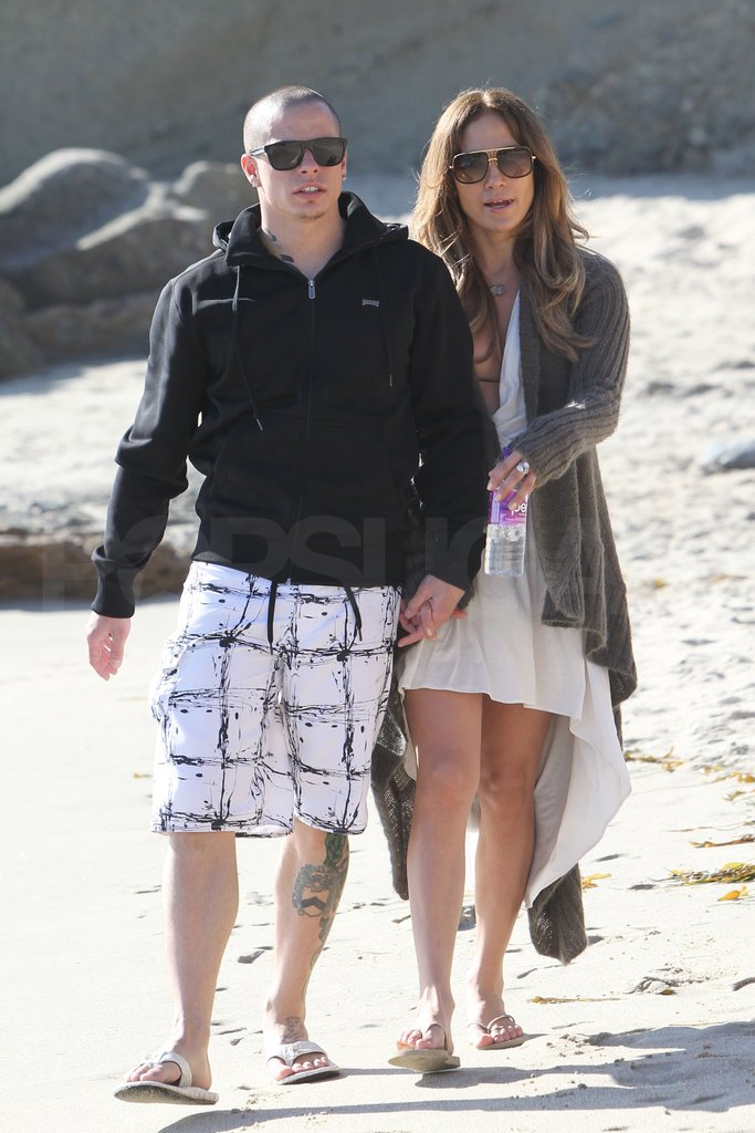 Jennifer Lopez and Casper Smart took a Valentine's Day walk on the beach.