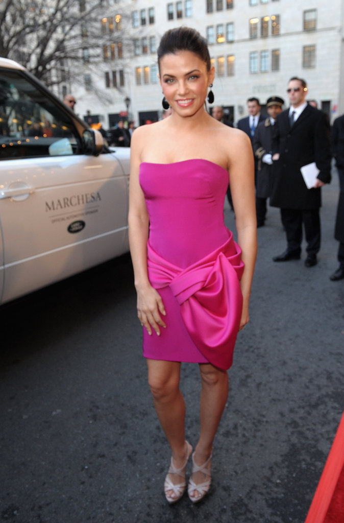 Jenna Dewan wore fuchsia to Marchesa.