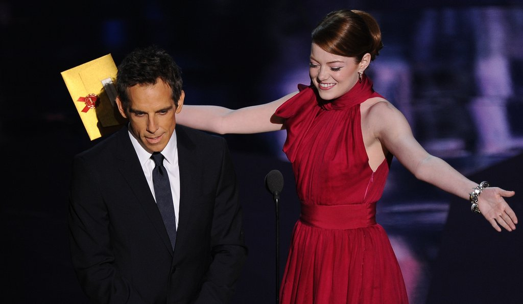 Emma Stone offered a dance to Jonah Hill while onstage with Ben Stiller.