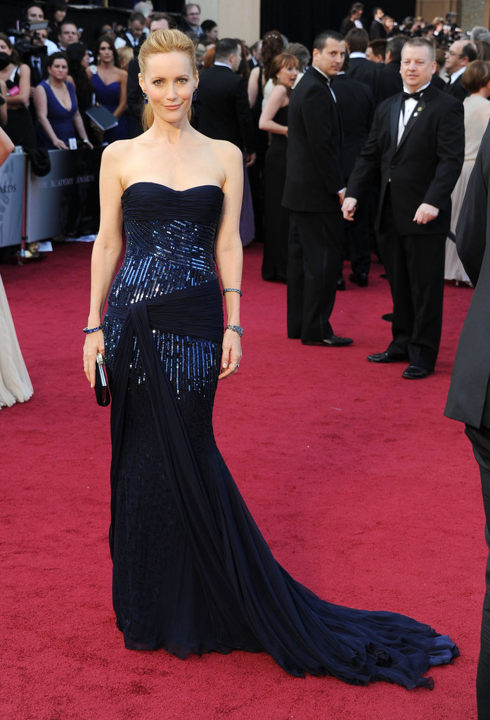 Leslie Mann walked the Oscars red carpet in a navy sequined Roberto Cavalli gown.