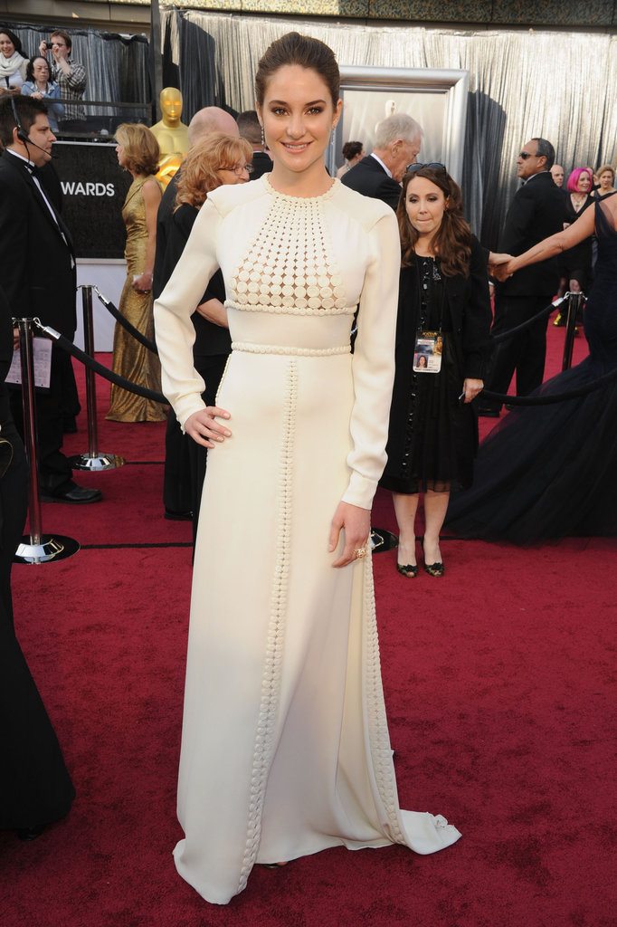 Shailene Woodley strike a pose at the Academy Awards