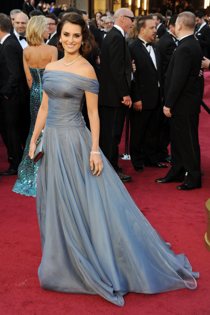 Penelope Cruz wore Armani Privé at the 2012 Oscars.