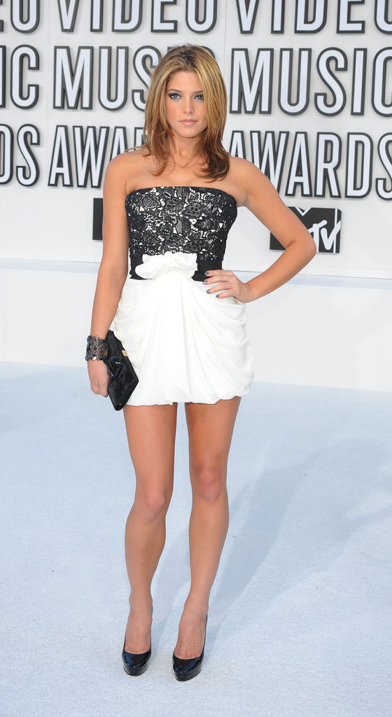 A flirty black and white Giambattista Valli for the MTV Video Music Awards in 2010.