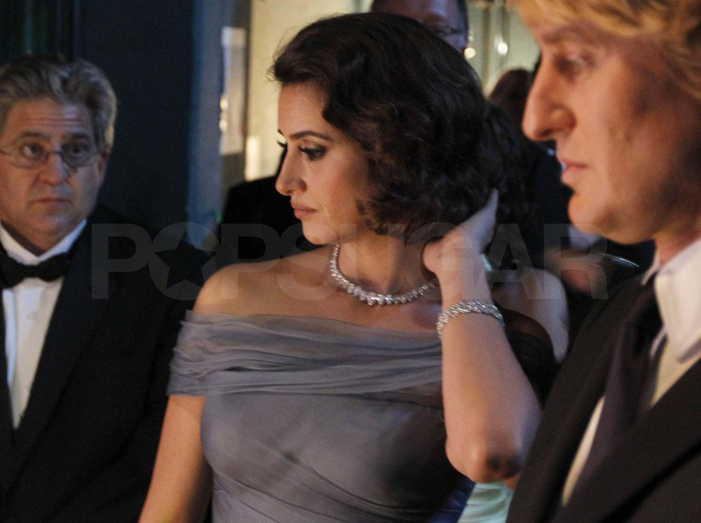 Penelope Cruz and Owen Wilson prepped to present.