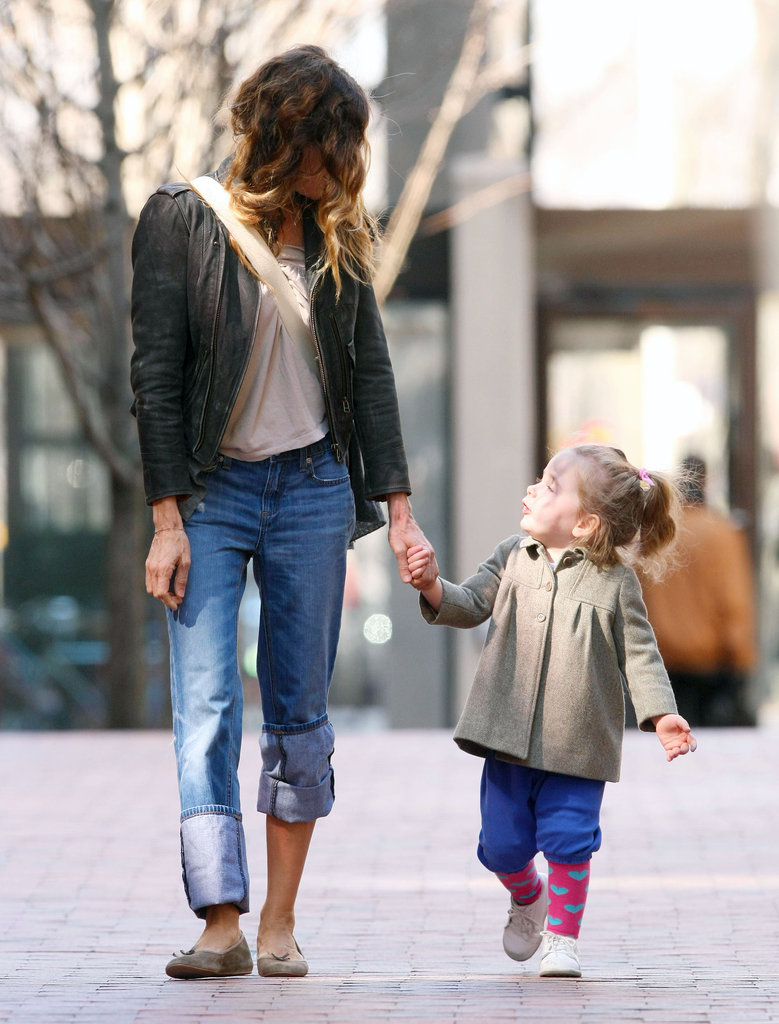 Sarah Jessica Parker walking with her daughter, Loretta Broderick.