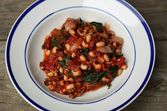 Black-Eyed Peas With Tomatoes and Greens 