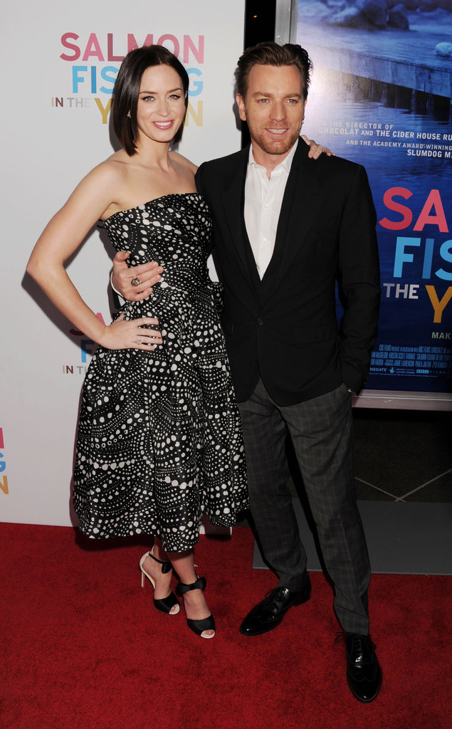 Ewan McGregor put his arm around Emily Blunt.