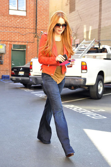 Lindsay Lohan Returns to Red Hair!