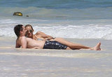 Kate Hudson and Matthew Bellamy were on the beach.
