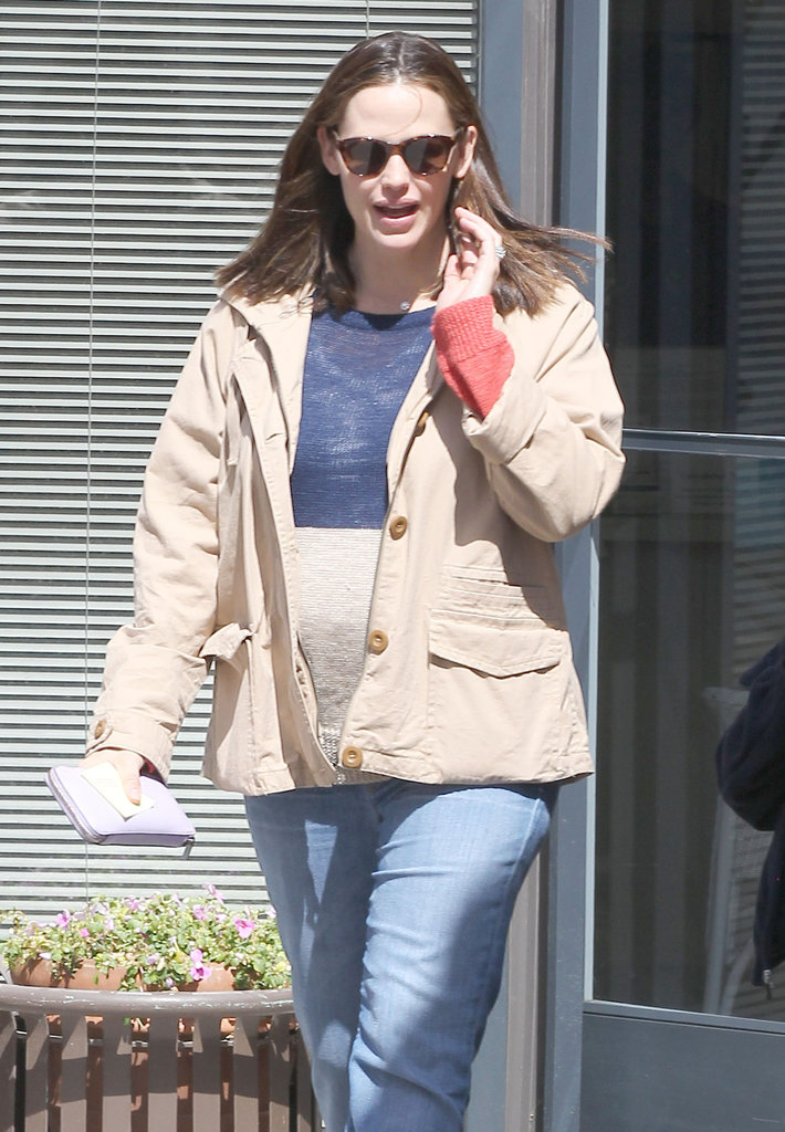 Jennifer Garner Steps Out With Violet After Welcoming Baby Samuel