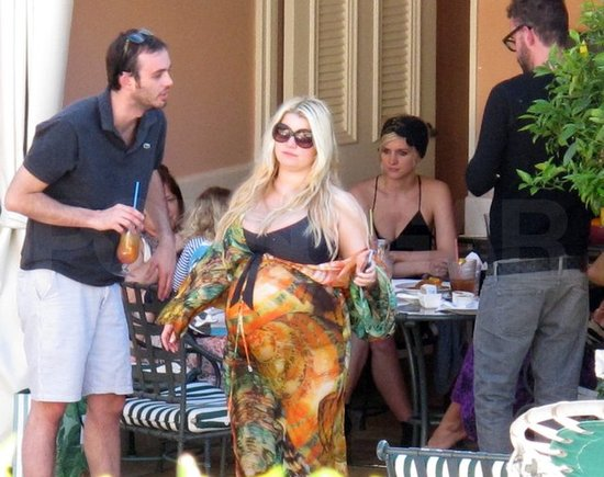 Jessica Simpson lounged with family.