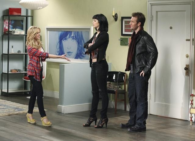 Dreama Walker, James Van Der Beek, and Krysten Ritter in Don&#039;t Trust the B---- In Apartment 23.