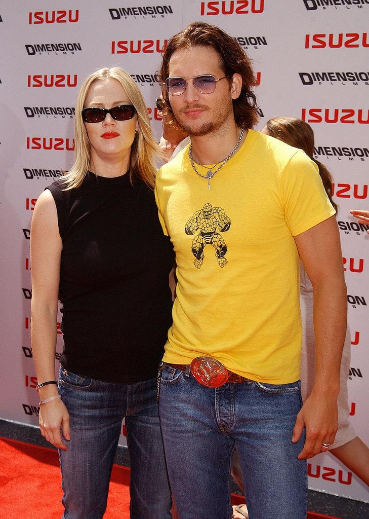 Peter Facinelli and Jennie Garth rocked shades to the LA premiere of Spy Kids 2: The Island Of Lost Dreams in July 2002.