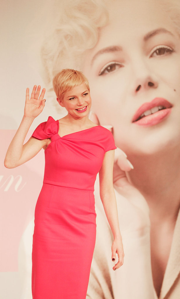 Michelle Williams promoted My Week With Marilyn in Japan.