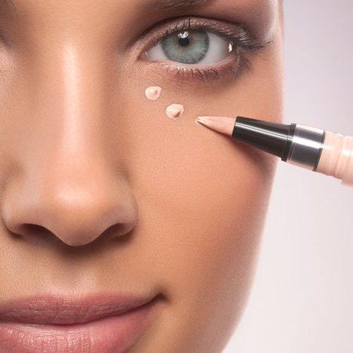 How to Keep Concealer From Looking Cakey