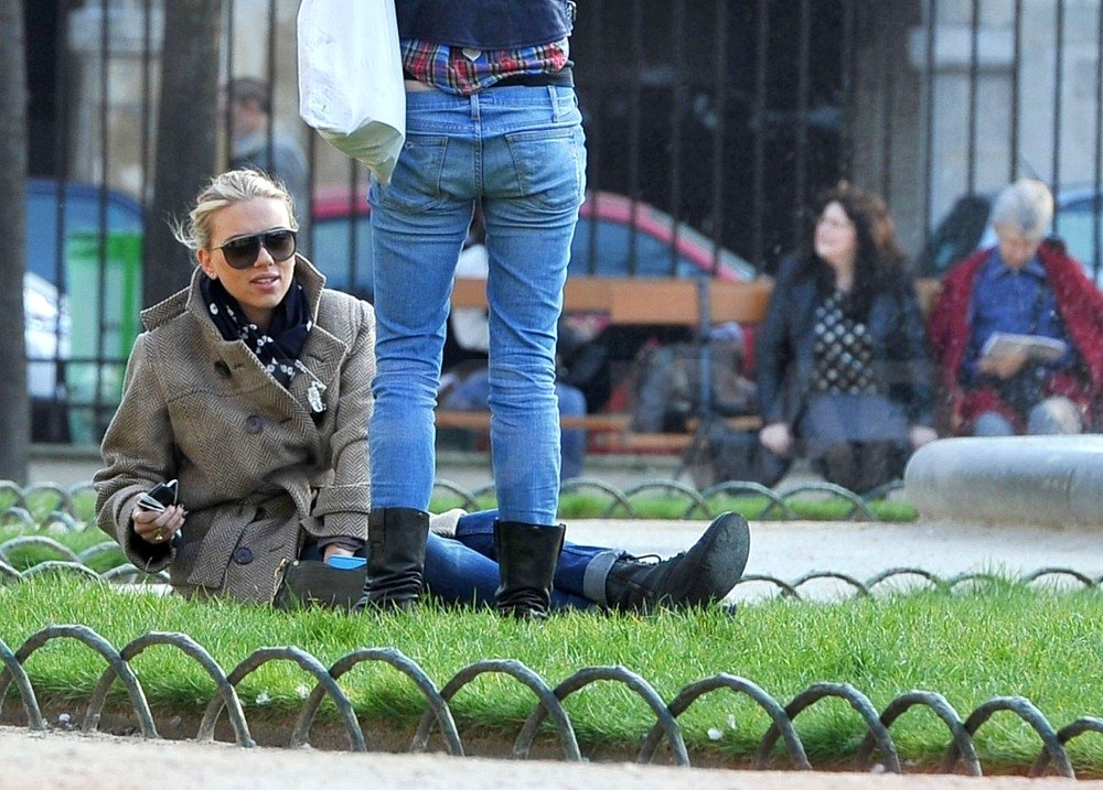 Scarlett Johansson took a break from walking in Paris.