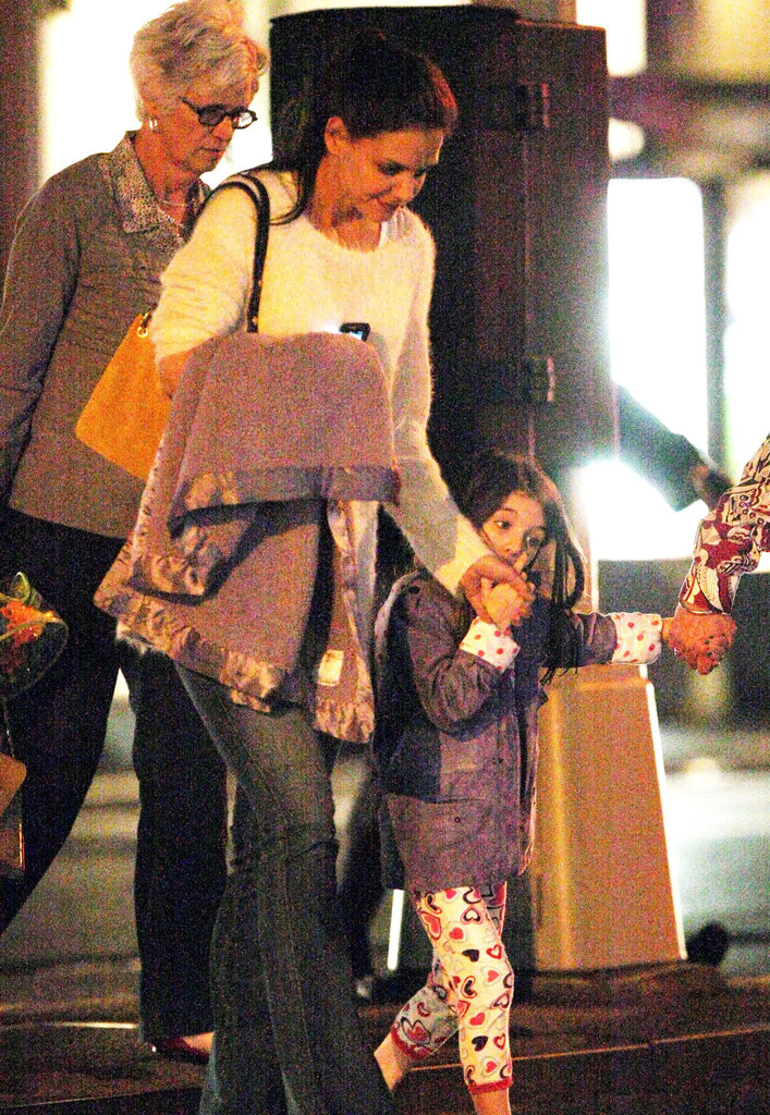 Katie Holmes, Suri Cruise, and Katie's mom Kathleen headed out for dinner in NYC at ABC Kitchen.