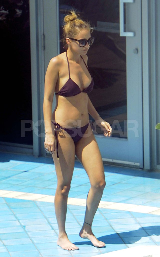 Nicole Richie Shows Off Her Bikini Body by the Pool in Miami