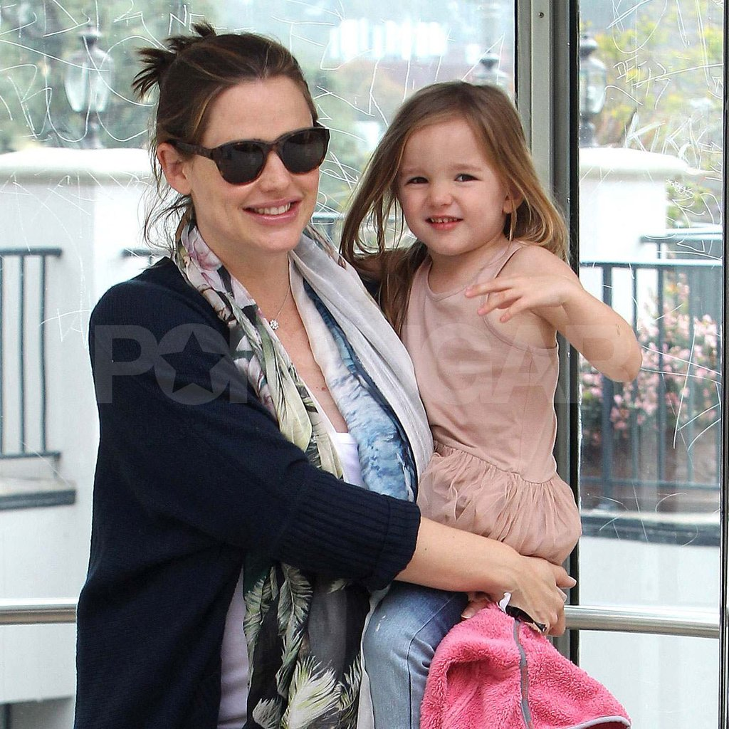 Jennifer Garner Steps Out With a Smiley Seraphina
